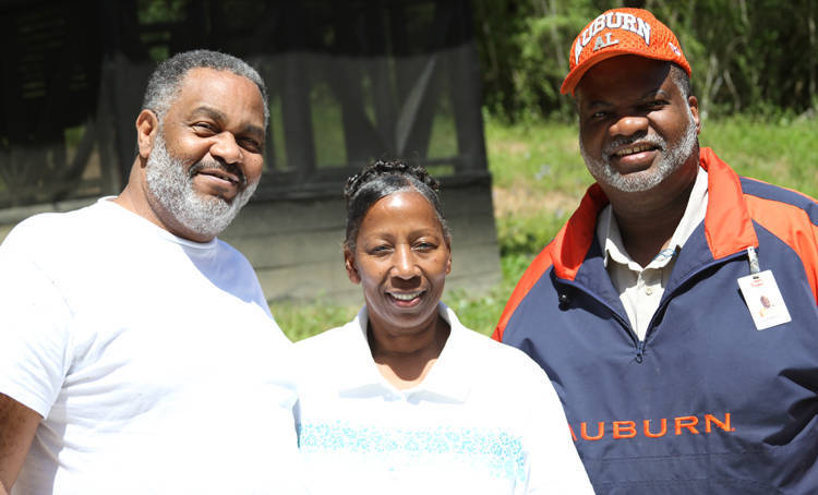 Anthony Ray Hinton and his best friend Lester Bailey, with his wife. (Ruth Hopkins)